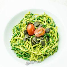 Super spaghetti na super obiad w 15 minut Pesto, Spaghetti, Good Food, Food And Drink, Ethnic Recipes, Diet, Healthy Food, Noodle, Yummy Food