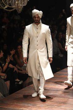 Sabyasachi Mukherjee. Indian Couture.