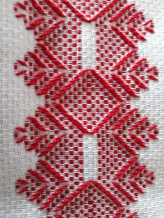 Cross Stitch Fabric, Cross Stitch Flowers, Cross Stitching, Cross Stitch Embroidery, Hand Embroidery, Broderie Bargello, Bargello Needlepoint, Swedish Embroidery, Hardanger Embroidery
