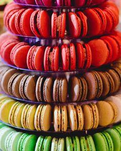 Macaroon Tower, Macaroons, Ratatouille, Ethnic Recipes, Desserts, Food, Night, Towers, Macaroni