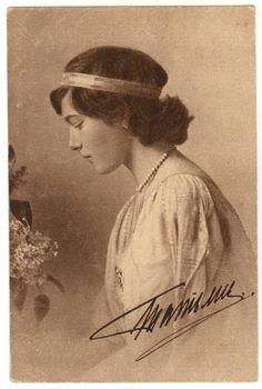 Fotografia formal da Grand Duchess Tatiana Nikolaevna em 1914.