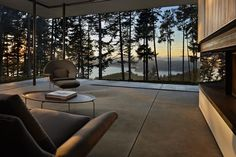 orcas island home, beautiful exchange with nature/ gary gladwish, architect Minimalist Architecture, Minimalist Interior, Minimalist Home, Interior Architecture, Exterior Design, Interior And Exterior, Winter House, Deco Design, Glass House