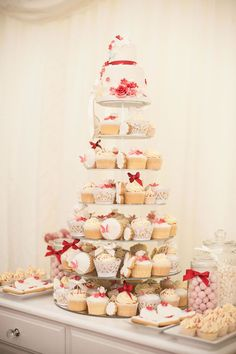 Joanne and Andrew's red wedding theme was full of lovehearts and roses