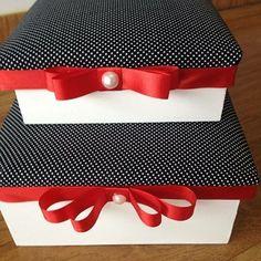 Bom dia!! Para começar nossa semana bem temos esse conjunto de Caixa em MDF com aplicação de tecido, fita cetim e tinta! Tudo para inspirar vocês <3! Compres os produtos de artesanato aqui no Palácio: www.palaciodaarte.com.br #caixaemmdf #fitadecetim #tinta #artesanato #feitoamao #caixadecorativa #palaciodaarte #amomeutrabalho