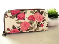 Vintage Wallet with Roses