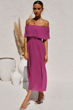 Chic Purple Off-the-shoulder Pleated Tunic Chiffon Long Dress, Shop for cheap Chic Purple Off-the-shoulder Pleated Tunic Chiffon Long Dress online? Buy at Modeshe.com on sale! Stylish Dresses, Casual Dresses For Women, Sexy Dresses, Nice Dresses, Clothes For Women, Dress Casual, Strapless Midi Dress, Chiffon Dress Long, Dresses To Wear To A Wedding