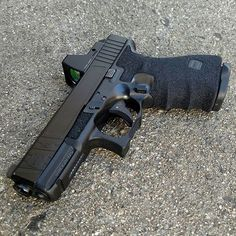 Glock 19 Find our speedloader now! www.raeind.com or http://www.amazon.com/shops/raeind