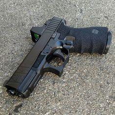 Glock 19 Find our speedloader now! www.raeind.com or http://www.amazon.com/shops/raeind