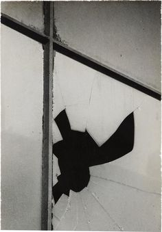 Find the latest shows, biography, and artworks for sale by Aaron Siskind. Though he began his career as a documentary photographer, Aaron Siskind turned away… Texture Photography, Artistic Photography, Abstract Photography, Amazing Photography, Landscape Photography, Levitation Photography, Experimental Photography, Exposure Photography, Water Photography