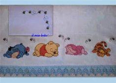 Hobby lavori femminili - ricamo - uncinetto - maglia: schema punto croce striscia lenzuolino whinnie the pooh