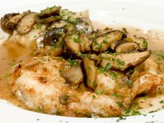Champagne Chicken - This dish makes chicken special with mushrooms, heavy cream, and champagne. (©iStockphoto.com)