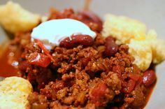 WILL TRY!!! Red Bean Chili from Smitten Kitchen...I'm in the mood for chili and corn bread!