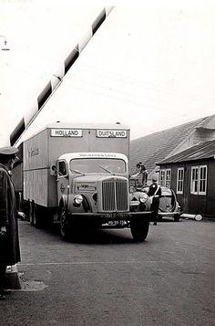 Scania Vabis PB-39-73 v Gend & Loos Aan de grens.