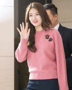 Suzy I wish I can meet this girl.