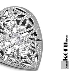 Sydän Kaulakoru Fligraani 50cm - Julian Korulipas #korut #sydän Trendy Jewelry, Miller Sandal, Other Accessories, Engagement Rings, Sandals, Shoes, Enagement Rings, Fashion Jewelry, Wedding Rings