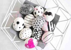 Fashion and Lifestyle Easter Party, Diy Projects To Try, Happy Easter, Spring, Easter Eggs, Arts And Crafts, Gifts, Food, Easter Ideas
