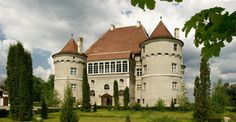 The unique Bethlen-Haller Castle, Alba County, overlooks gorgeous landscapes and exudes a distinct, incomparable charm that makes a stay in any one of its luxurious rooms truly unforgettable. Romanian Castles, Peles Castle, Visit Romania, County Seat, Alba, City Break, 16th Century, World Heritage Sites, Mansions