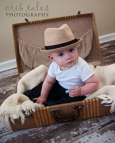 Specializing in infant photography, children's photography, family photography, senior portraits, and headshots. 6 Month Baby Picture Ideas Boy, Fall Baby Pictures, Newborn Baby Photos, Cute Baby Pictures, Newborn Pictures, Cute Babies Photography, Newborn Baby Photography, John Bennett, Foto Baby