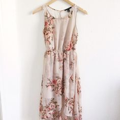 Floral High Low Dress Cute floral dress with an lace open back. Great condition. Forever 21 Dresses High Low