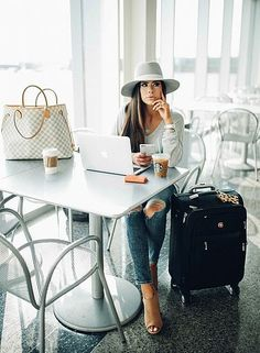 The sweetest thing i love fashion, fashion tips, fashion outfits, airport style, Travel Outfit Spring, Cute Travel Outfits, Comfy Travel Outfit, Travel Clothes Women, New York Fashion, 50 Fashion, Fashion Outfits, Travel Fashion, Travel Ootd