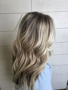 Ash blonde bayalage! Loose waves