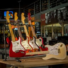 FENDER STRATOCASTER MADE IN JAPAN  #guitar #guitarra #guitarist #guitars #guitarporn #txirula #txirulamusik #fenderguitars #fender #stratocaster #strat