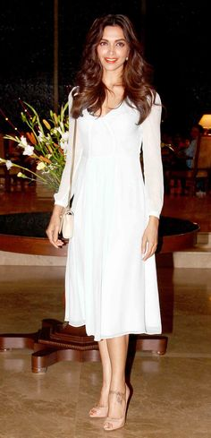 Deepika Padukone at Farah Khan's 50th birthday bash. #Bollywood #Fashion #Style #Beauty