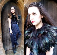 I like this feather bit :) Olivia Emily, Diy Cape, Feather Cape, Maleficent Costume, Diy Halloween Costumes, Halloween Party, Golden Dress, Gareth Pugh, Black Feathers