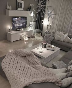 36 Cozy Living Room Design Ideas For Apartment - Home Bestiest Cozy Living Rooms, Apartment Living, Home And Living, Cozy Apartment, Modern Living, Living Room Goals, Apartment Design, Decor For Living Room, Gray Couch Living Room