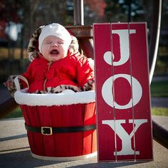 The most incredible Christmas card outtakes of all time