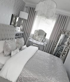 36 very beautiful and comfortable bedroom decor ideas 31 « Home Decoration Silver Bedroom Decor, Gray Bedroom, Master Bedroom Design, Trendy Bedroom, Bedroom Colors, Home Decor Bedroom, Bedroom Ideas, Warm Home Decor, Bedroom Furniture Sets