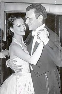 Vivien Leigh & Laurence Olivier dancing at their wedding