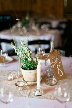 Farm-inspired table decor | Image by Elisabeth Carol
