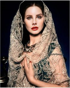 Face: Lana Del Rey | Body: Vivien Leigh ~ I usually don't pin face swaps but this is amazing ~