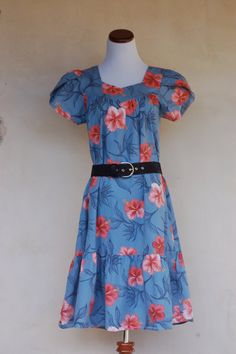 Hawaiian Vintage Blue Summer Dress with Pink by valleyofvintage