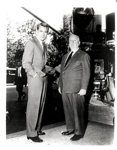 One of my favorite movies. Cary Grant and Alfred Hitchcock on the set of North by Northwest Alfred Hitchcock, Hitchcock Film, Golden Age Of Hollywood, Vintage Hollywood, Hollywood Stars, Classic Hollywood, Hollywood Boulevard, Cary Grant, Entertainment Weekly