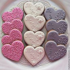These decorated heart filigree cookies would be so pretty to make for a Valentines Day party. Love the pink, white, lavendar monochromatic color schemes too. Fancy Cookies, Cute Cookies, Cupcake Cookies, Summer Cookies, Cookie Favors, Easter Cookies, Valentines Day Cookies, Christmas Cookies, Birthday Cookies