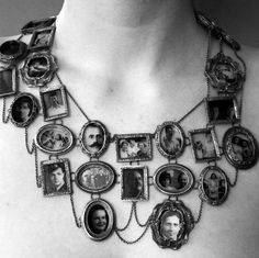photo necklace!!! Want want want!!! Perfect for your own family tree keepsake!! :)