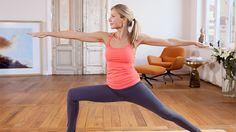 Ursula Karven bei einer Yogaübung