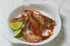A recipe for piri piri sauce, a hot and fragrant sauce used in both Portuguese and African cooking; this version of piri piri is from Mozambique. Piri Piri Sauce Recipe, Sauce Recipes, Cooking Recipes, Jam Recipes, Peri Peri Sauce, Portuguese Recipes, Fish And Seafood, Summer Recipes, Food Videos