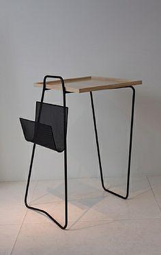 Table en metal laqué noir, plateau de frene, Mathieu Matégot , circa 1957