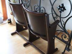 dvoj-sedačka značky TON z kina zariadeného v roku 1940 Cinema Seats, Chairs, Tech, Living Room, The Originals, Retro, Furniture, Home Decor, Tecnologia