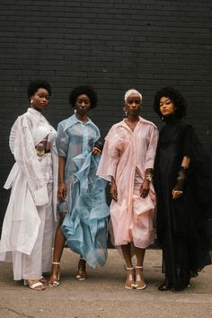 Youth and pop culture provocateurs since Fearless fashion, music, art, film, politics and ideas from today's bleeding edge. Black Girl Magic, Black Girls, Black Girl Swag, Photographie Portrait Inspiration, Black Women Fashion, Black Women Style, Female Fashion, Fashion Fashion, High Fashion