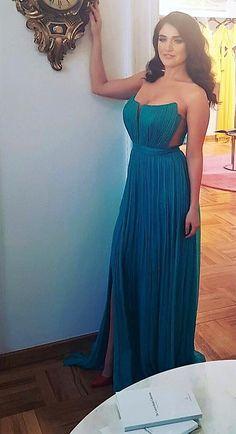 CRISTALLINI #EveninglDress #GreenDress #Silk #WomensFashion #Style #Inspiration #Fashion #Glamour #Elegance #StyleInspiration #HighFashion Fashion Glamour, High Fashion, Womens Fashion, Strapless Dress Formal, Formal Dresses, Green Dress, Special Occasion, Evening Dresses, Fashion Dresses
