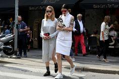 Street fashion wiosna-lato 2015: biel, fot. Imaxtree