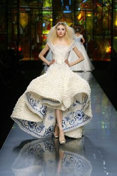 this as a bridal gown ? its gonna b unique !