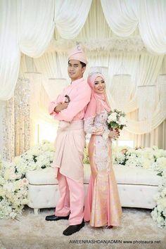 ♥ Malay Wedding Dress, Bridesmaid Dresses, Wedding Dresses, Weeding, Muslim, Poses, Fashion, Bridesmade Dresses, Bride Dresses
