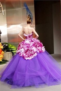"""Dior Haute Couture A/I 10/11: """"carnation""""'s back"""
