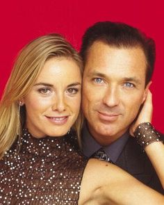 Melanie and Steve Owen played by Tamzin Outhwaite and Martin Kemp.