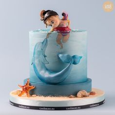 Sweet Little Girl With The Dolphin Kids Cake. Baby Cakes, Sea Cakes, Girl Cakes, Pretty Cakes, Beautiful Cakes, Amazing Cakes, Amazing Birthday Cakes, Cake Birthday, Decoration Patisserie